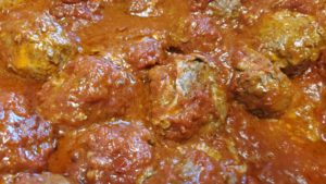 clever pizzaiola meatball subs (adapted from cooking with regis & kathie lee, 1993)